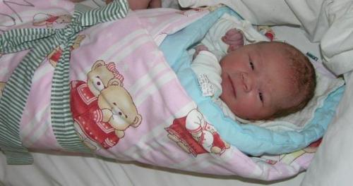Magdalena v porodnici: Naše Magdalena jen pár desítek minut po porodu.