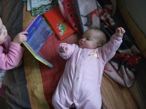 Barbora čtenářka: Magdalena začíná s výukou čtení u Barbory dosti brzo...