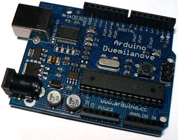 Arduino: Vývojová deska Arduino Duemilanove.