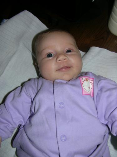 Magdalena téměř dvouměsiční: Spokojená, komunikace chtivá, usměvavá a pořádně baculatá, aneb naše Magdalena.