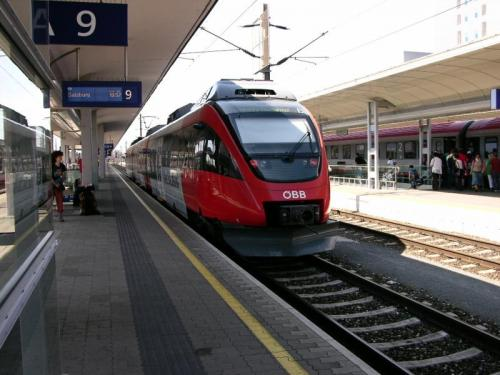 Vlak do Solnohradu: Typická souprava osobního vlaku mezi Lincem a Salzburkem.